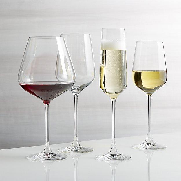 Ly thuỷ tinh và Ly pha lê nên chọn ly nào?