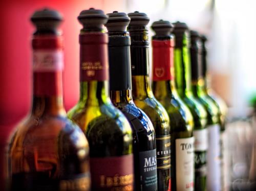 Rượu vang có hạn sử dụng hay không?