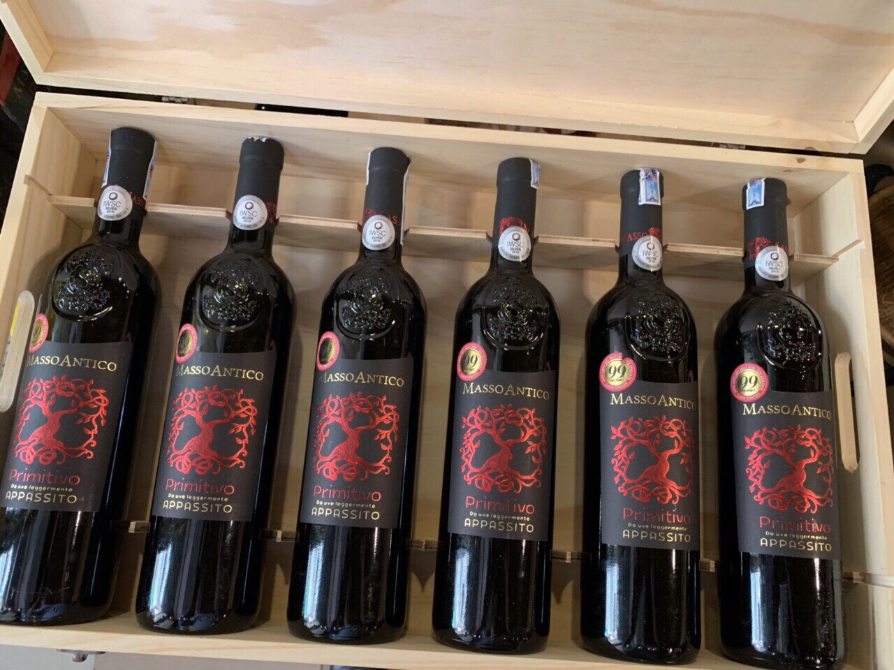 Rượu vang đỏ Ý masso antico primitivo