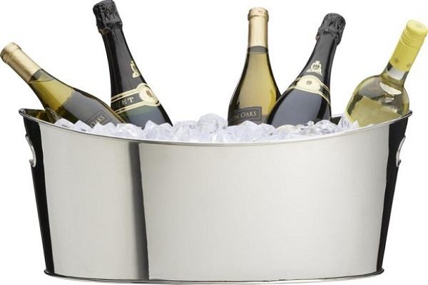 Có nên thưởng thức rượu vang cùng với đá?