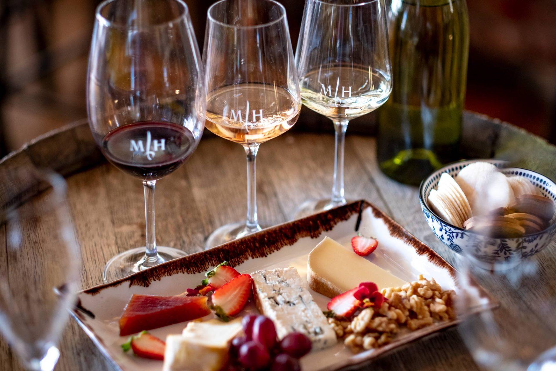 Rượu vang nào đồ ăn đấy?